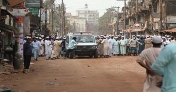 হাটহাজারীতে পুলিশের সঙ্গে  হেফাজত কর্মীদের সংঘর্ষে ৪ জন নিহত